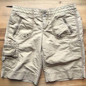 GAP Khaki Cargo Shorts w/ Pockets & Zippers